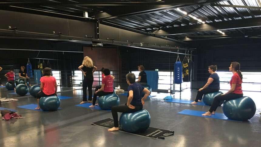 Cours de Pilates avec Swiss Ball